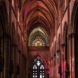 Dentro la Basílica