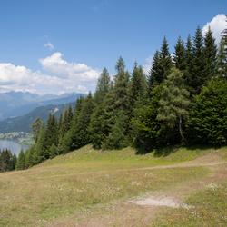 Uitzicht op Weissensee, Oostenrijk