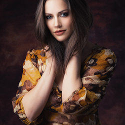 brunette Anna