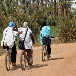 fietsende vrouwen
