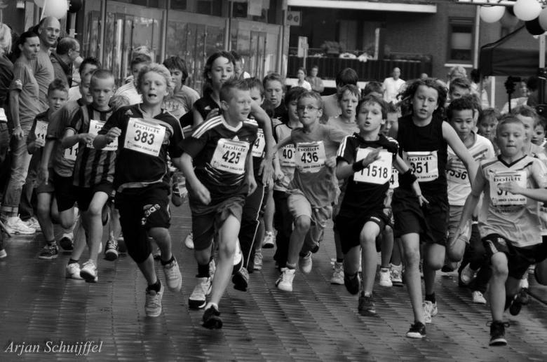 Inner Circle Run - 1000m jongens.<br /> De inzet van de kinderen is enorm!