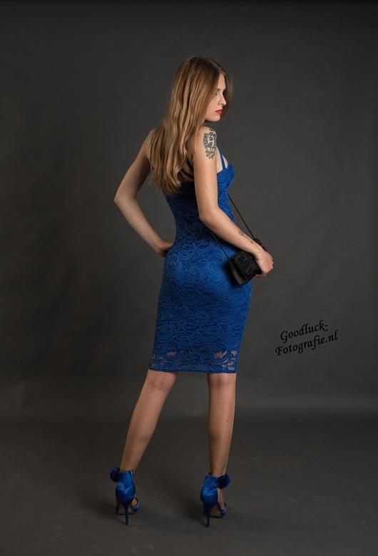 """Koningsblauw - Model Jaimy.<br /> <br /> <a href=""""http://www.goodluck-fotografie.nl/"""">goodluck-fotografie.nl</a>"""
