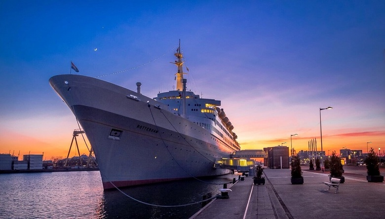 SS Rotterdam  - SS Rotterdam zonsondergang