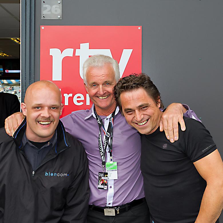 Wil Hartog (de Witte Reus) - Hier een foto van mij, buurman Bert Oldenziel en Wil 'de Witte Reus' Hartog tijdens de kwalificatie dag TT-Asse