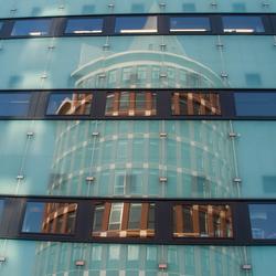 Reflectie Natalini toren Roermond