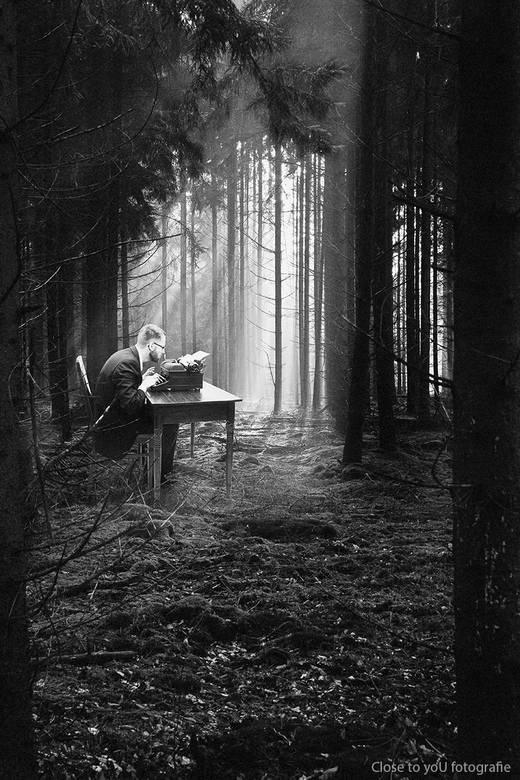 "The typewriter... - Just another day at the office....<br /> even weer ééntje met een knipoog <img  src=""/images/smileys/wilt.png""/> <br /> groetjes"
