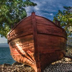 De boot van Jezus bij het meer van Galilea