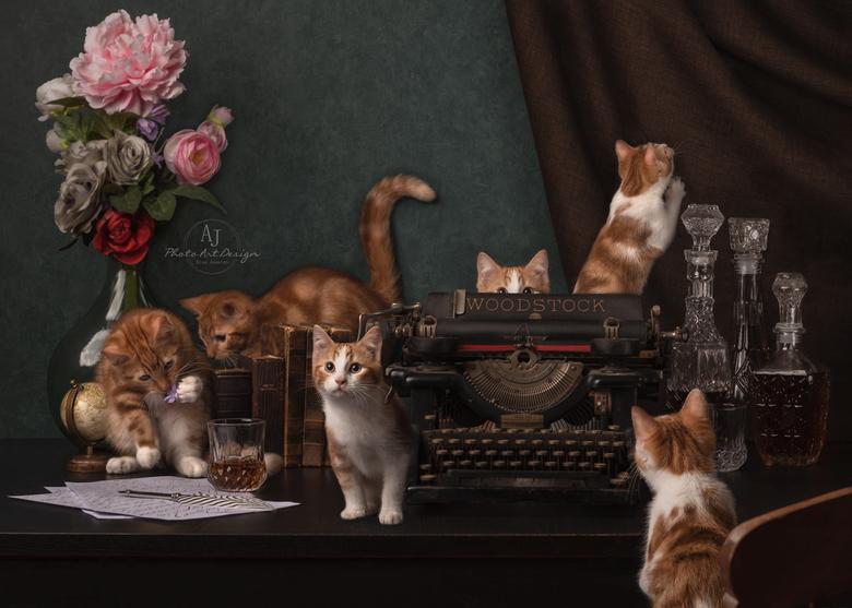 Als de baas van huis is, dansen de kittens op tafel - De tweede uit de kitten serie. Geïnspireerd op de capriole die mijn eigen dieren soms uithalen.