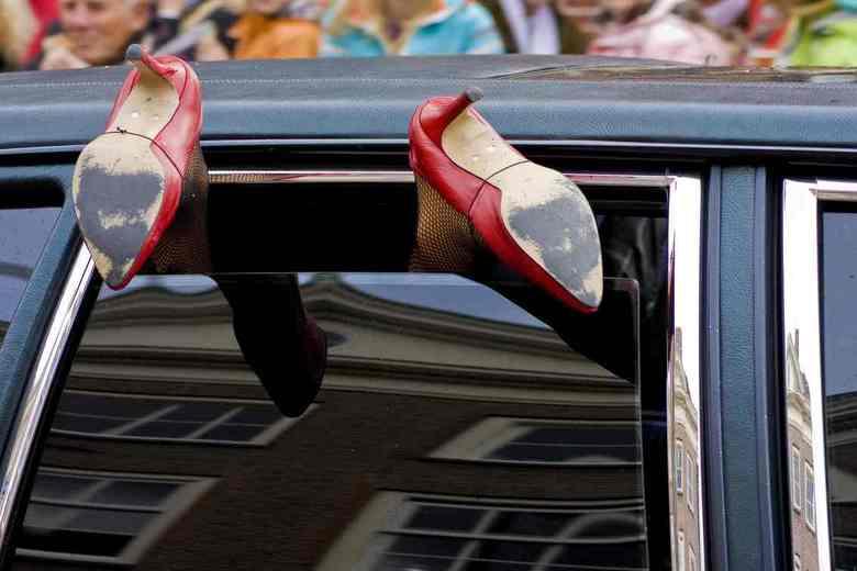 LeidensOntzet II - Gewoon grappig. Ik zag dat er al een foto op de gallery stond van deze auto. Alleen was die gefotografeerd vanaf de andere kant (zw