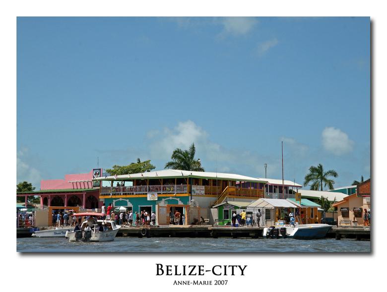 Belize City - Deze foto heb ik gemaakt toen we weg voeren vanuit Belize City, op weg naar Caye Caulker. Het is een zicht op de haven, en vooral de vel