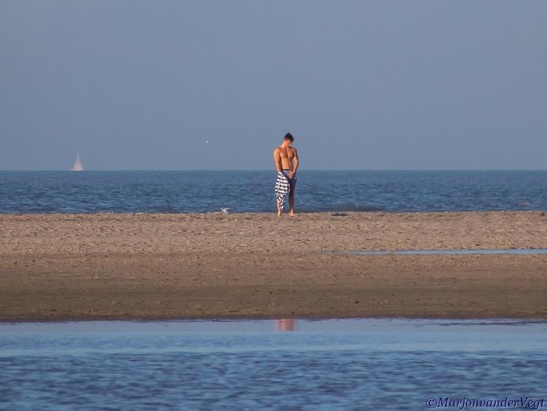 """strandganger - Eyecandy op &#039;t strand <img  src=""""/images/smileys/wilt.png""""/><br /> <br /> Iedereen hartelijk dank voor de waardering van mijn we"""