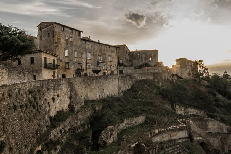 IMG_4549 - Mooie ruïne in Volterra bij zonsondergang.