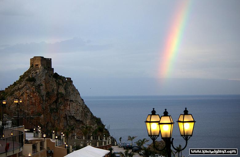 Taormina, Sicilië - Uitzicht vanaf het hotelterras in Taormina.