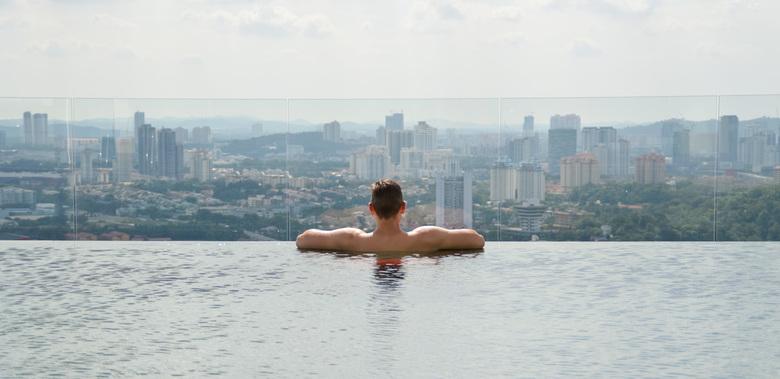 Kuala Lumpur - View - Kuala Lumpur - Vakantie Maleisië<br /> Bijkomen op het dak van ons hotel met uitzicht over de prachtige en drukke wereldstad.