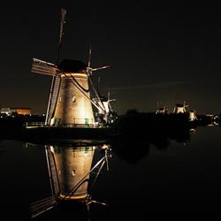 Kinderdijk by night 2 (bewerkte versie)