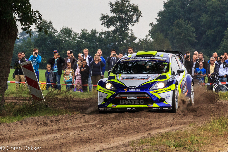 Rally Hellendoorn 2016 - Kuipers in de bocht bij KP in Notter.
