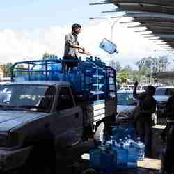 Watervoorraad aanvullen op het vliegveld