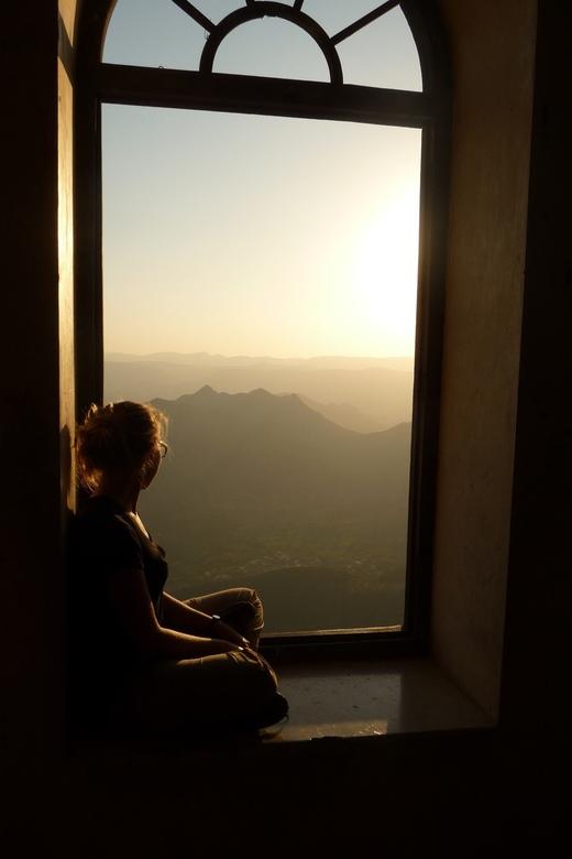P1130853 - Uitzicht + speling met zonlicht, Udaipur, India