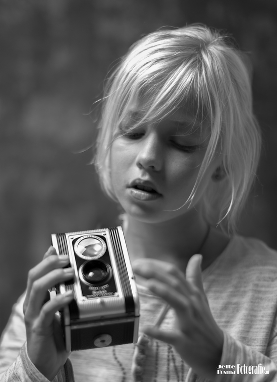 The brand new Kodak Duaflex Camera (Kodet Lens)