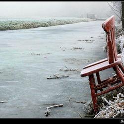 De rode stoelen