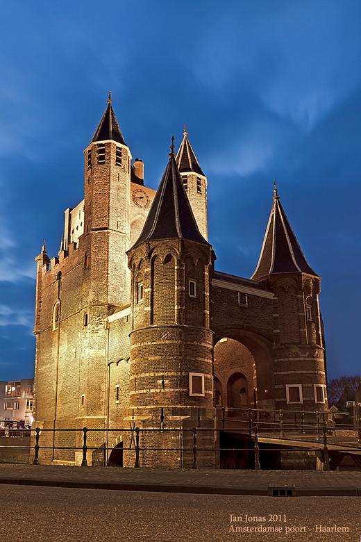 Amsterdamse poort - paar weken geleden bij drukkerij Johan Enschede in Haarlem een gesprek gehad.Ik had natuurlijk weer wat gereedschap bij me en nog