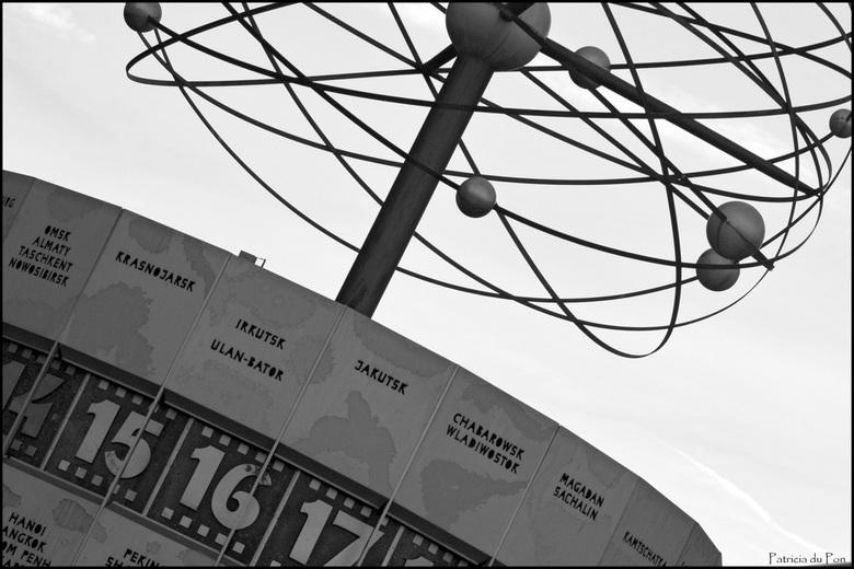 Urania-Weltzeituhr Berlin - Wereldklok