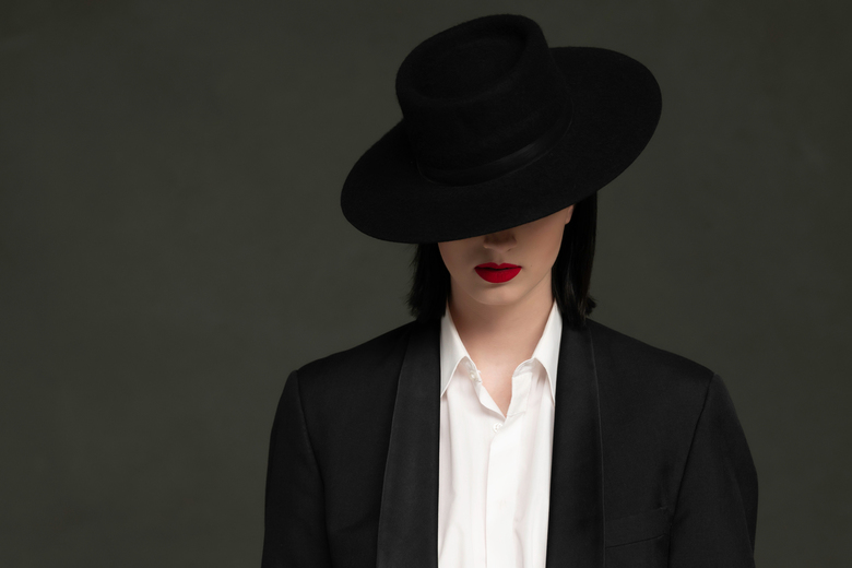 Hide and shine - Model: Isabelle van Aarle <br /> MUA: Camila Verweij Da Silva Santos