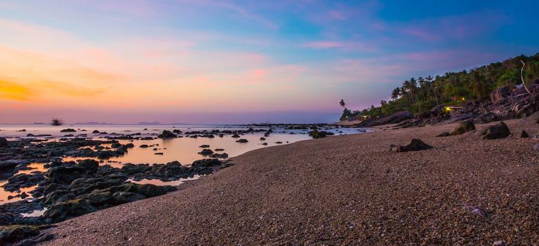 Sunset in Thailand - Een prachtige zonsondergang in Thailand op het eiland Ko Lanta. Ik heb gebruik gemaakt van een lange sluitertijd om het water de