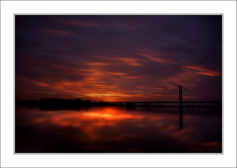 Colorful Morning - Colorful Morning<br /> <br /> Gemaakt van de week om 7:25 met grijsfiler ND110. 132sec belichting.<br /> Elke keer weer een verr