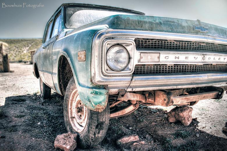 Wrecked - Oude Chevrolet in de bergen van Chili.