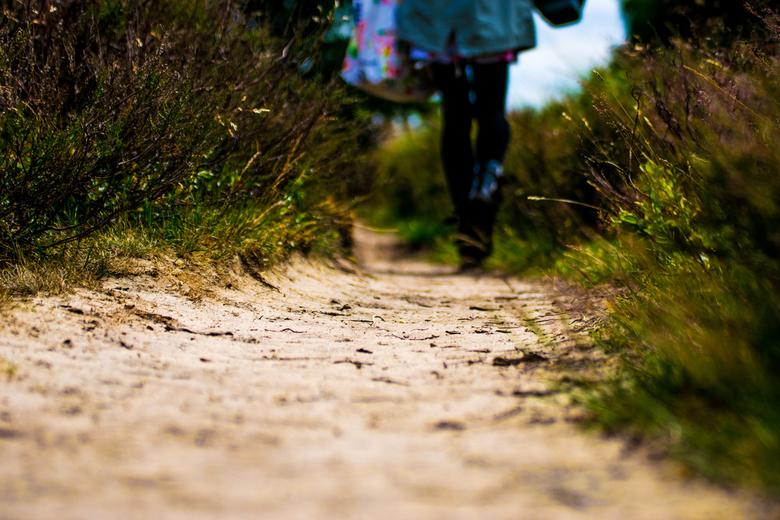 Walking the right path - een vriendin van me wou me pesten door door mijn shot te lopen maar wat ben ik blij dat ze dat heeft gedaan