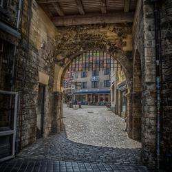 Valkenburg doorkijkje winkelstraat
