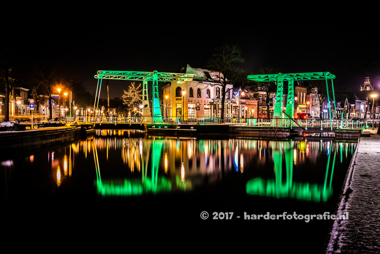 Meppel - verlichte bruggen - Ook dit jaar in de winterperiode zijn de bruggen in Meppel sfeervol verlicht. Hier een foto van de 'tweeling' b