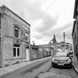 Seraing (bij Luik)  - Rue Ramoux met hoogoven van Cockerill Sambre