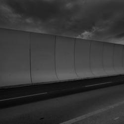 Sound barrier of concrete