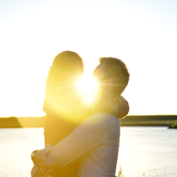 A sunrise kiss in the golden hour!