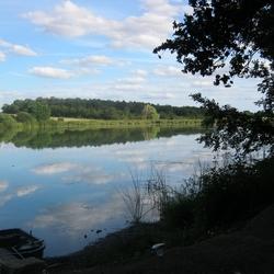 mooi uitzicht van een schitterend meer !