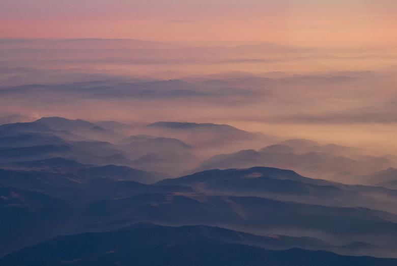 A Morning in the mountains - Het eerste ochtend licht valt op de bergen in Turkije