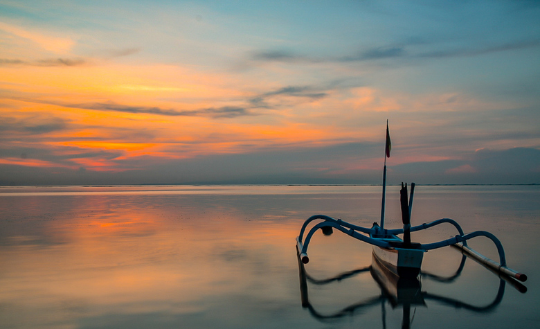 Zonsopkomst Bali - Om mooie plaatjes te schieten, moet je soms vroeg opstaan. De wekker ging om 5.15 en dat terwijl je op vakantie bent. Je krijgt er