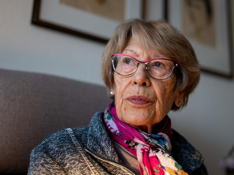 Mooi 85 - Op haar 85e straalt mijn moeder nog steeds. Deze foto spreekt boekdelen.