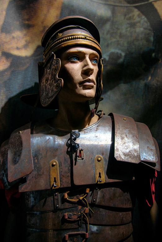 soldaat - Romeinse soldaat zoals die eruit gezien moet hebben in de tijd van Jezus , deze vond ik in het openlucht museum  van Bijbelse geschiedenis i