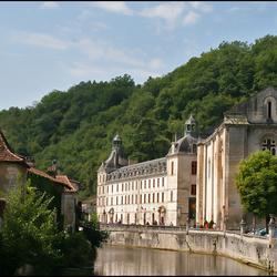 L'abbaye St Pierre de Brantôme.