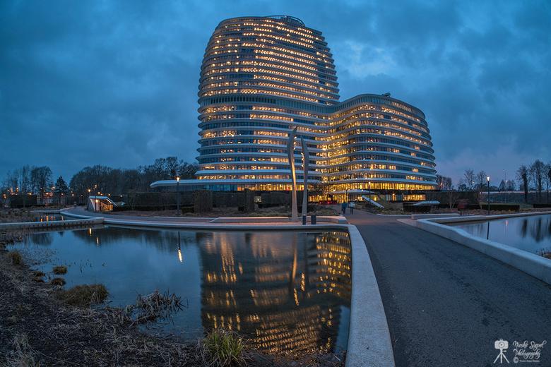 Duo Groningen - Duo gebouw Groningen tijdens het blauwe uurtje
