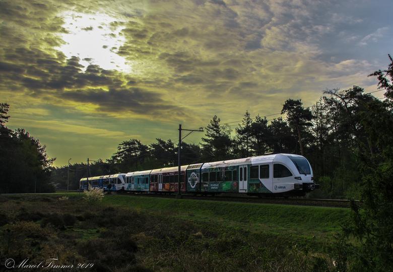 Vechtdallijn - Wildland-treinstel van Arriva is op weg naar Emmen, Vechtdallijn