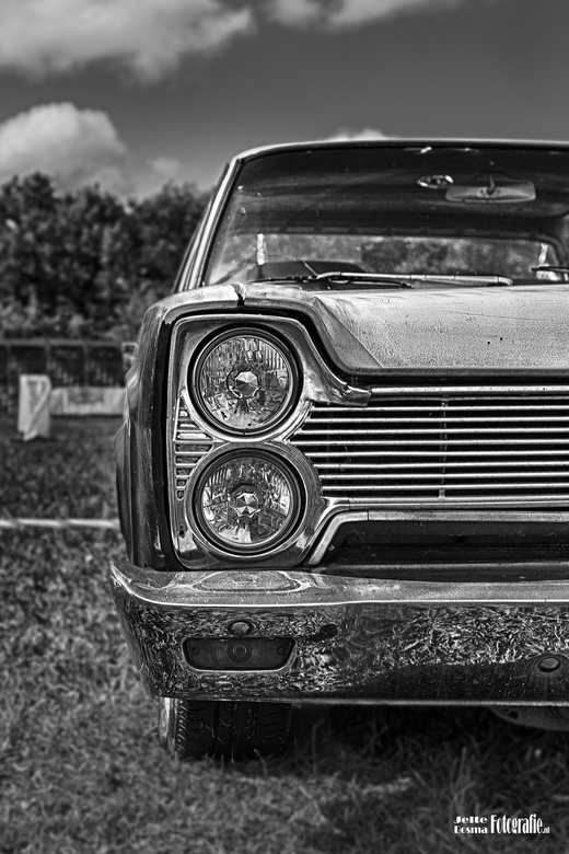 Plymouth Fury II (1966) b&w