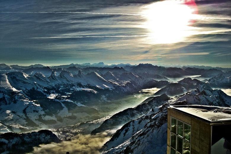 Zwitserse Alpen - Een ver uitzicht bij geweldig licht vanaf de Säntis (2503 m) in Zwitserland