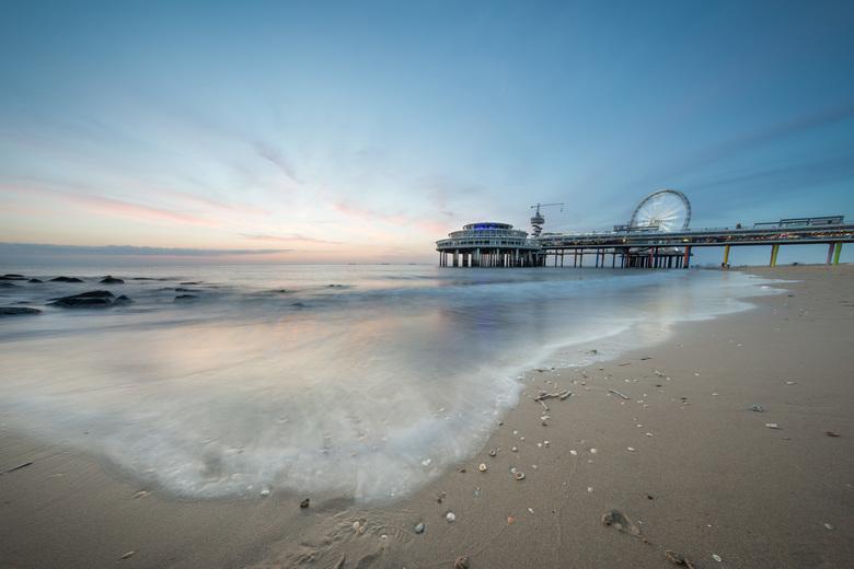 Strand - Zonsondergang bij de Scheveningse pier