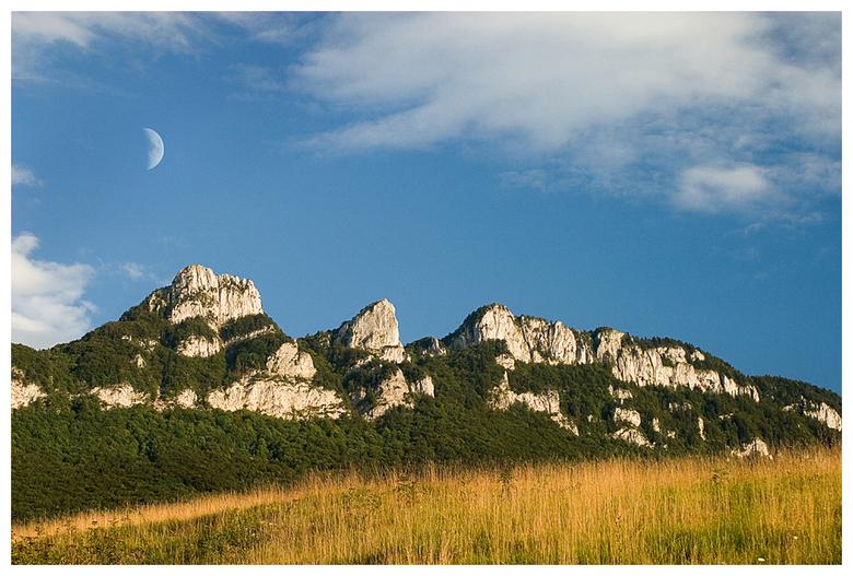 Maan boven de Mont du Chat - Maan boven de Mont du Chat in Frankrijk.