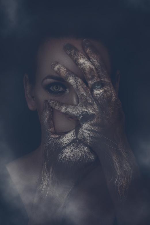 lion - zelfportret