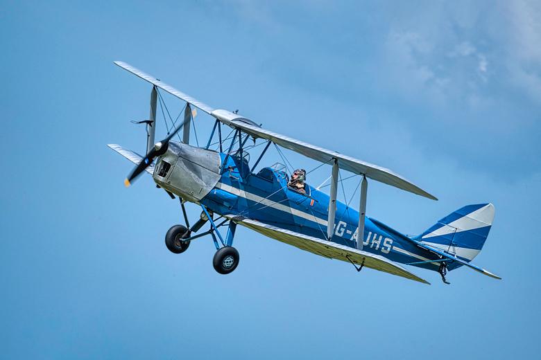 Airshow Oostwold 9 juni 2019 - Wat een nostalgisch vliegtuig was dit om te zien... zo ging het er dus vroeger aan toe. Op de Airshow in Oostwold waren
